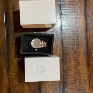 New with tags silver women's Nixon watch